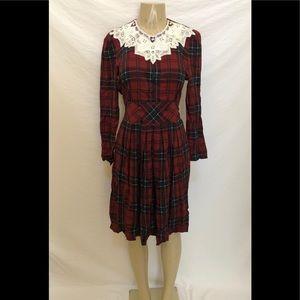 Vtg Karin Stevens Petites plaid knee Lenght dress